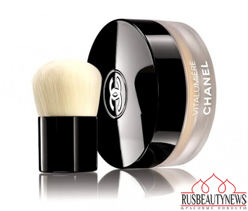 Chanel Vitalumiere Loose Powder Foundation look2