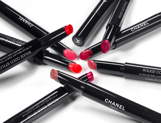 Chanel Rouge Coco Stylo Lipstick look2