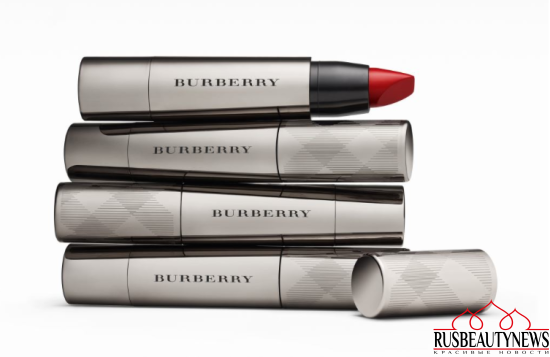 Burberry Full Kisses Lipstick look3