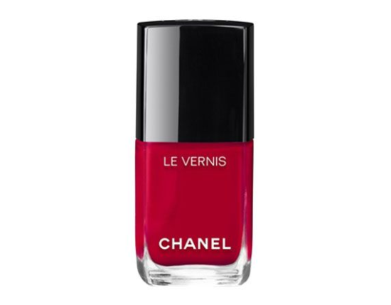 Chanel Le Vernis Nail Collection look2