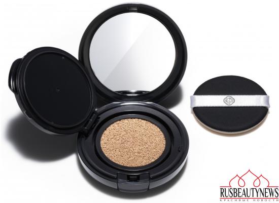 Shiseido Synchro Skin Glow Cushion Compact look1