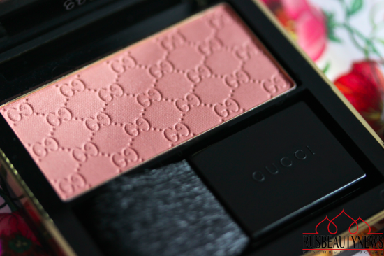 Gucci Face Sheer Blushing Powder 010 Spring rose