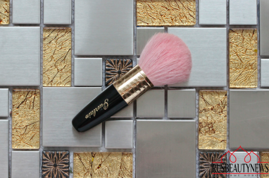 My makeup brush Guerlain